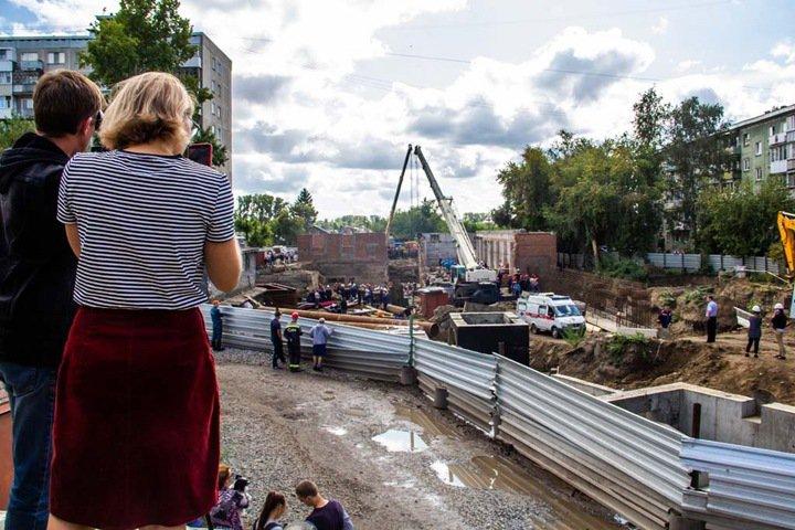 Всех фигурантов дела об обрушении стены в Новосибирске выпустили под залог