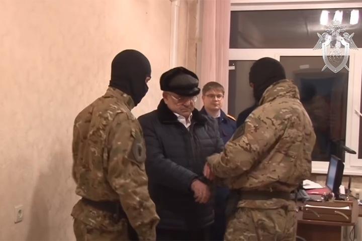 Бывший замначальника РЖД в Западной Сибири осужден за попытку дать коллеге взятку ружьем