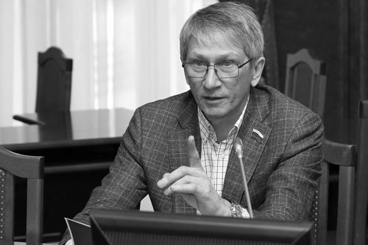 Депутат новосибирского заксобрания умер после тяжелой болезни