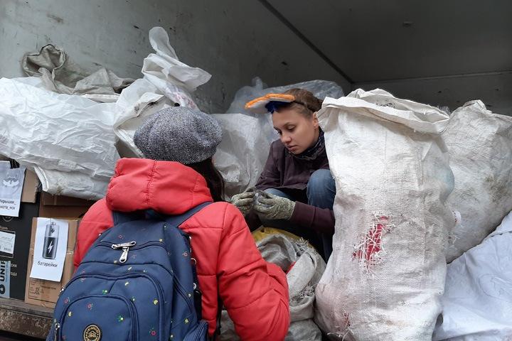 «Мы занимаемся экологизмом»: как в Новосибирске проходит акция по раздельному сбору отходов