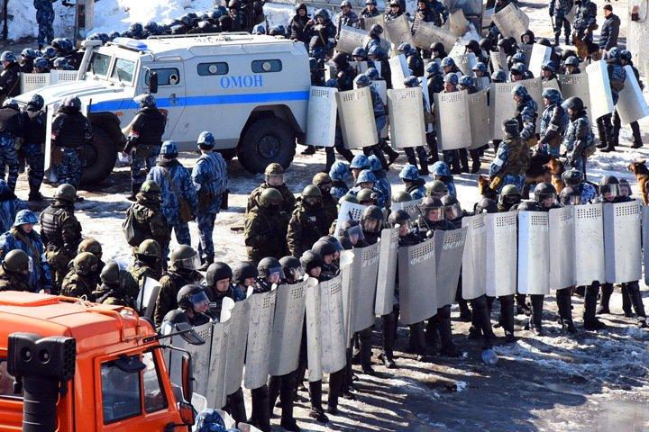 Сотрудника ЧОП и армрестлера назначили защищать права новосибирских заключенных