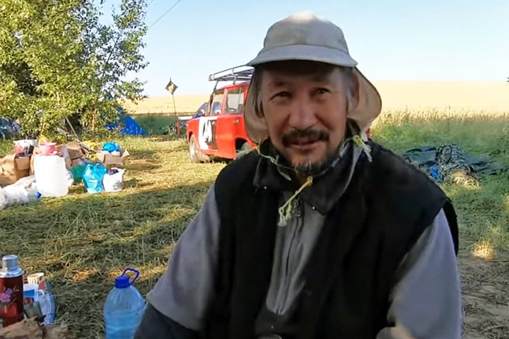 «Доброту они не понимают»: подписка о невыезде не помешает якутскому шаману идти на Москву