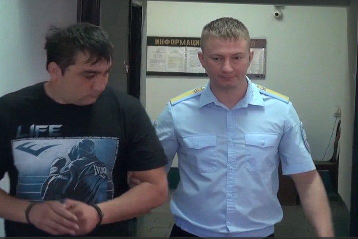 Задержанный после стрельбы на новосибирском рынке заявил о «наговоре»