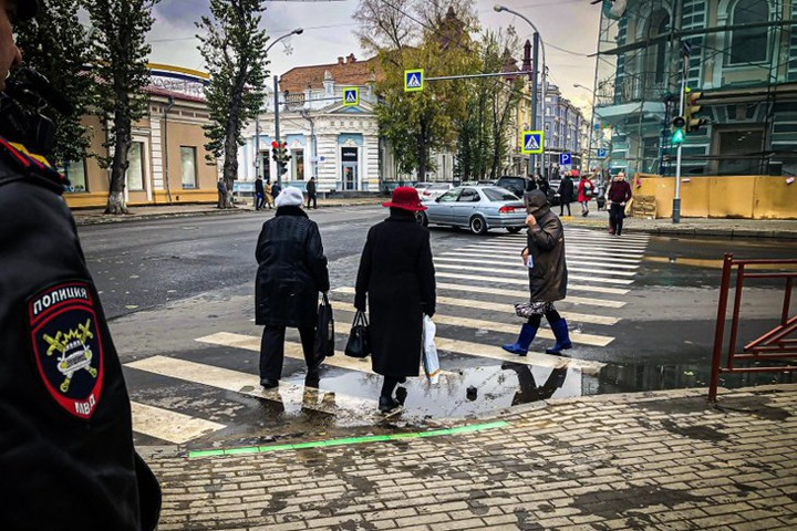 Перестрелка в Новосибирске, олени и китайцы в Туве, светофор для гаджетов в Иркутске. Сибирь за неделю