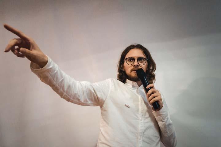 Новосибирские залы отказывают либертарианцу Михаилу Светову в выступлении