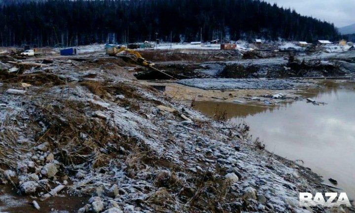 Число погибших после прорыва дамбы в Красноярском крае выросло до 12 человек