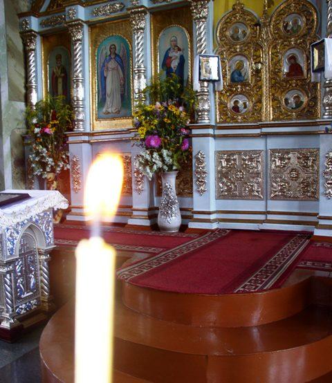 Автокефалия в обмен на храмы