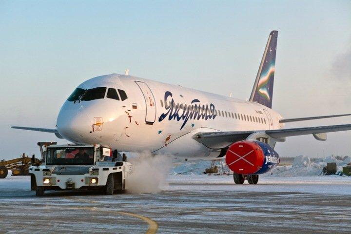 Рейс в Якутию из Новосибирска задержали из-за проблем с Superjet