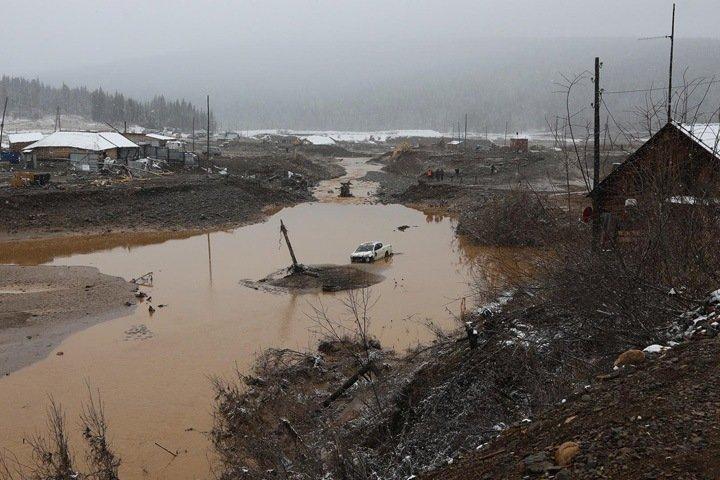 Уголовное дело возбуждено по факту загрязнения красноярской реки после прорыва дамбы золотоискателей