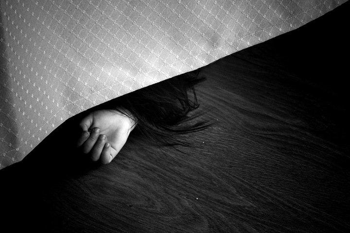 Кузбассовец избил жену до смерти на глазах детей. За полгода до этого полиция отказалась завести на него дело об угрозах