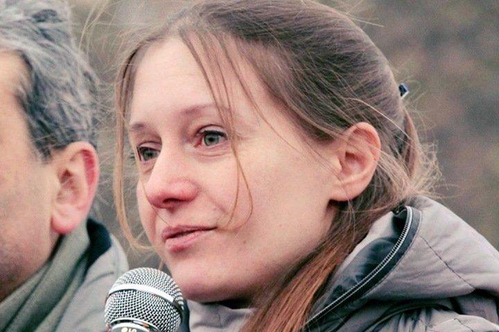 Экспертизу по делу обвиняемой в «оправдании терроризма» журналистки заказали хакасской активистке ОНФ. Она находила угрозы властям в сохранении языка