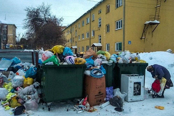 Кучи мусора в Новосибирске продолжают расти