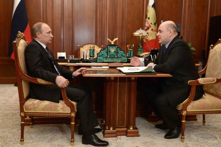 Путин предложил главному налоговику России стать премьер-министром