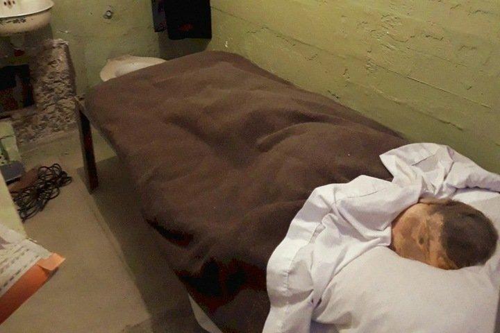 Заключенный сбежал из красноярской колонии, сделав муляж себя