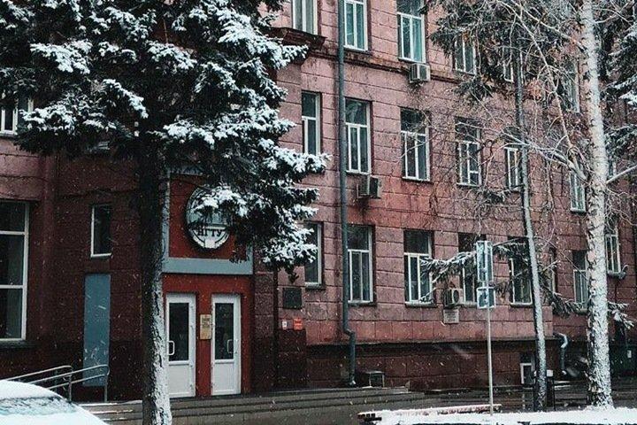 Преподавателя обвинили в производстве оружия в новосибирском вузе