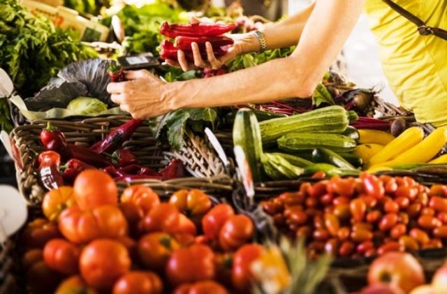 Сколько тратят украинцы на еду?