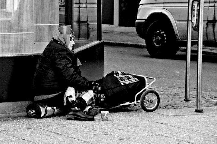 «Вы замерзнете в квартире под тремя одеялами»: как омские бездомные выживают в мороз