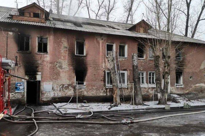 Многоквартирный дом сгорел в Красноярске. Есть жертвы