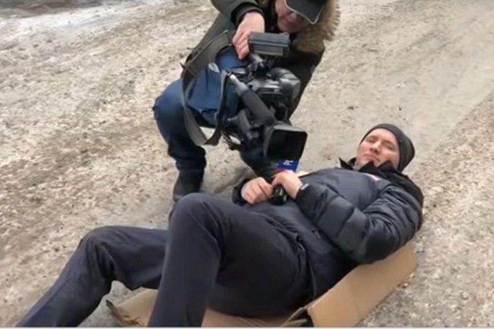 Помощнику Быкова запретили комментировать дело о наезде на журналиста в Красноярске