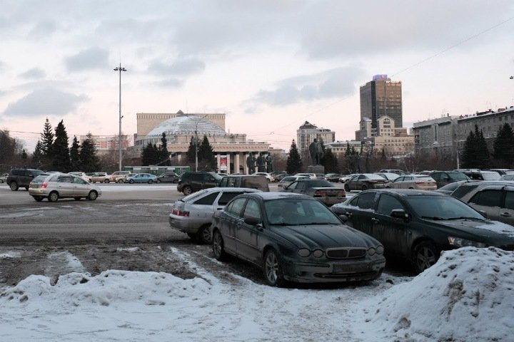 Мороз и гололед пообещали новосибирцам
