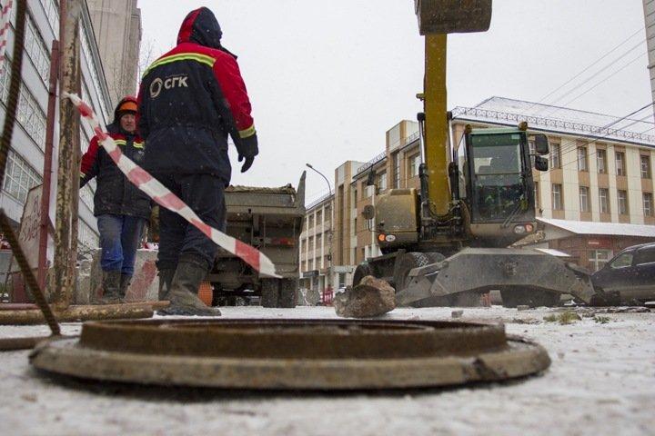 Новосибирцы стали чаще воровать крышки с люков. Это создает угрозу для пешеходов и водителей