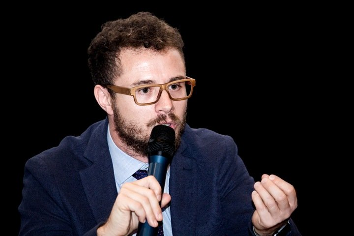 Маттео Севернини о проклятии ВИЧ в Уганде, воспитании палками и вопросах Луне