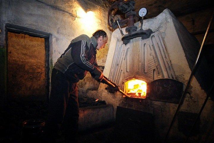 Заключенных в Бурятии отправляли работать в котельную без защитной одежды