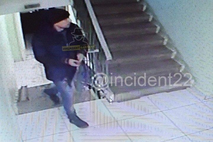 Педофил-эксбиционист задержан в Барнауле