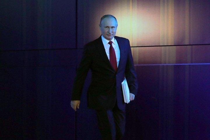 Числа недели: поправки в Конституцию, планшеты для мэрии и электромобили в Сибири