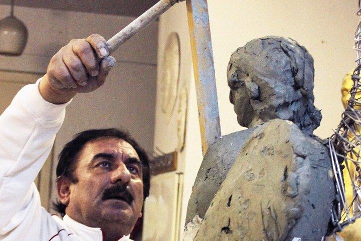 Скончался работавший в Новосибирске скульптор Арам Григорян