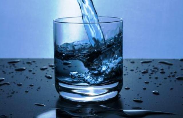 Жесткая вода: вред для здоровья и методы устранения