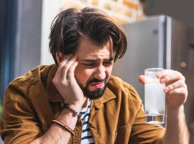 Алкоголизмом можно заболеть и поневоле или почему организм начинает вырабатывать спиртное