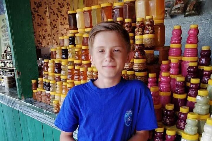 Мальчику из Новосибирска требуются дорогие исследования от рака кишечника