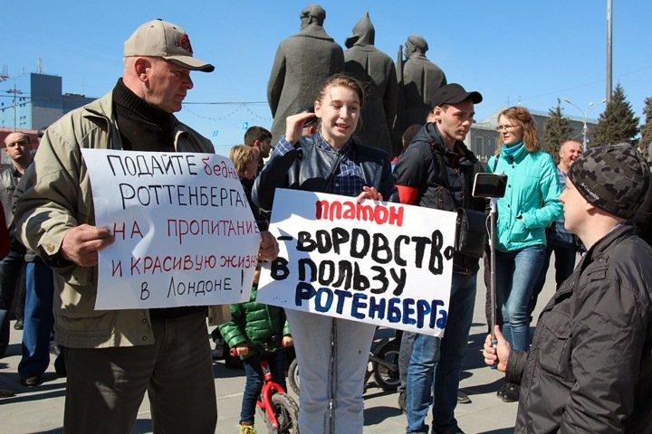 Сибирские перевозчики попросили от Путина мораторий на «Платон»