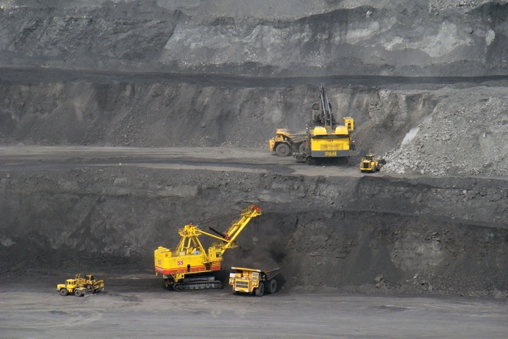 Числа недели: меньше угля из-за геополитики, меньше доноров из-за кризиса