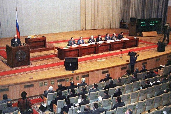 Иноагенты, изменение Конституции и чекисты: 30 лет выборам в «советскую Госдуму»
