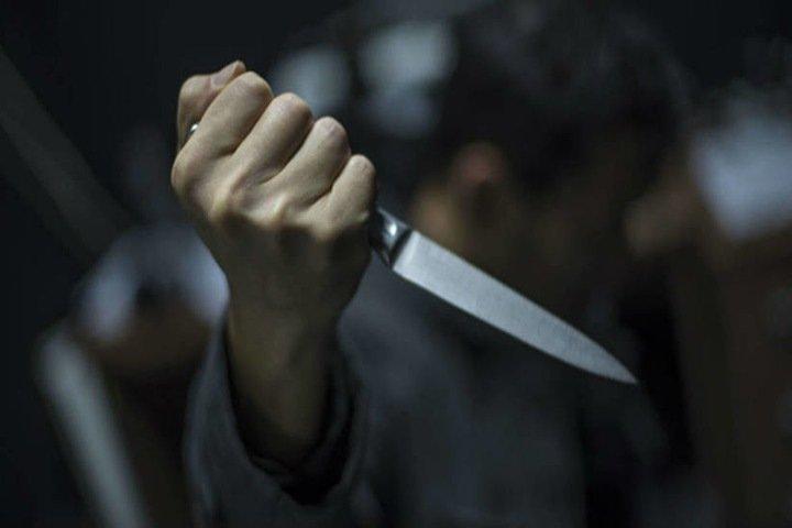 Иркутский полицейский напал на водителя с ножом