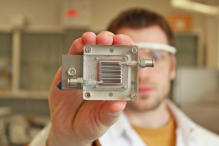 Новосибирские ученые разработали сенсор для определения опасных веществ в воздухе