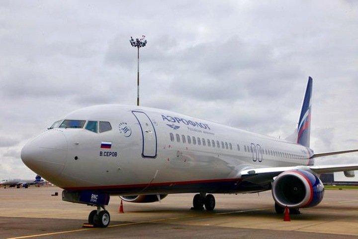 Более 100 человек летели вместе с зараженной коронавирусом жительницей Новосибирска