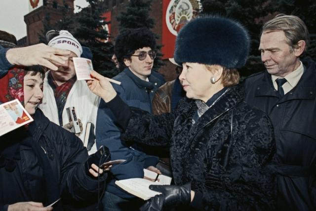 Почему жену Горбачева обожали французские дизайнеры и недолюбливали советские женщины