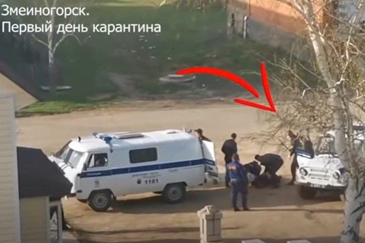 Полиция проверяет избиение жителя алтайского Змеиногорска своим сотрудником