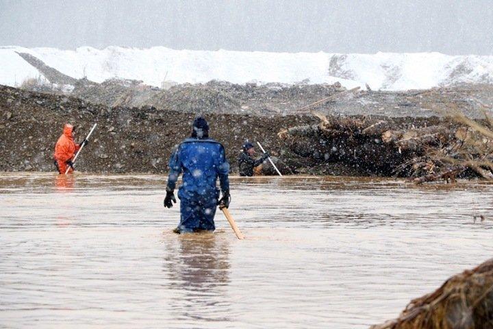 Обнаружено тело одного из пропавших после прорыва дамбы в Красноярском крае золотоискателей
