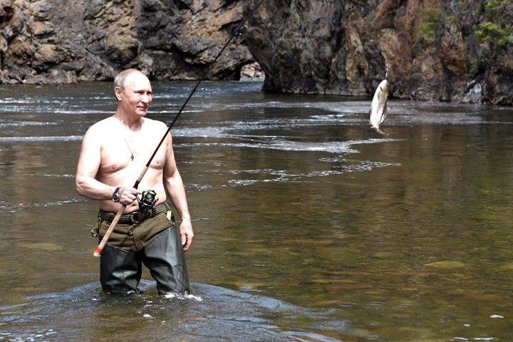 Путин продлил режим «нерабочих дней» до 11 мая
