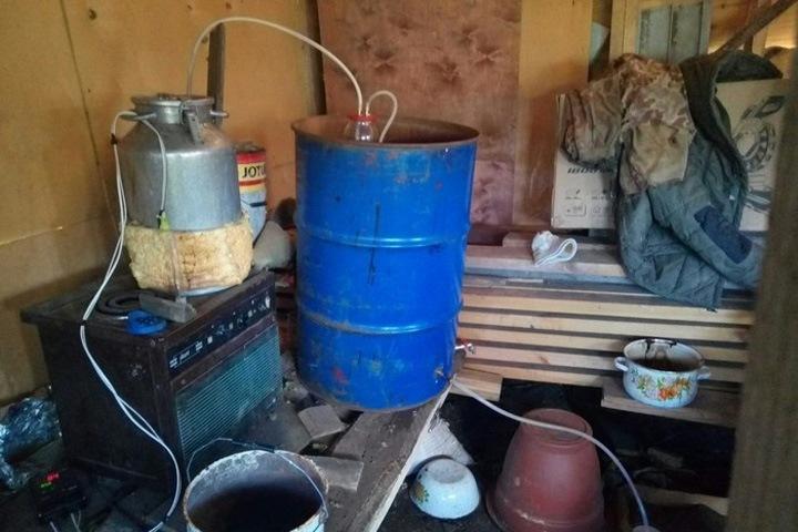 Двух детей ранило при взрыве самогонного аппарата в иркутском поселке