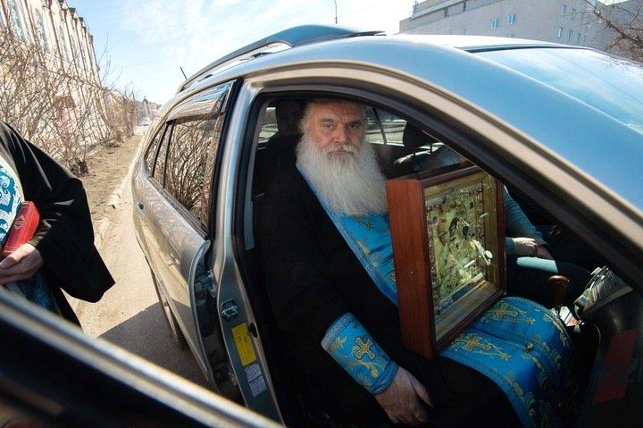 Автомобильный крестный ход против коронавируса прошел в Томске
