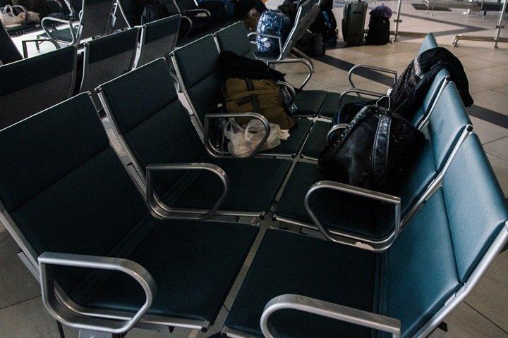 Пассажирка отмененного рейса Новосибирск—Бишкек предприняла попытку самоубийства