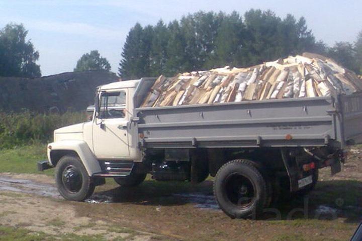 Алтайского сотрудника ГИБДД обвинили во взятке дровами
