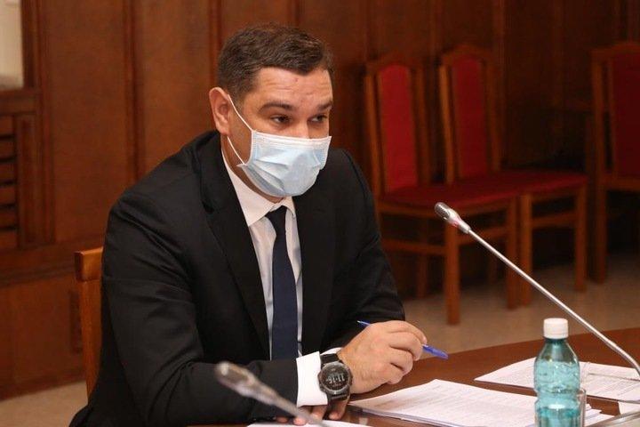 Новосибирский депутат: «Дороги не чистят, мы скоро задохнемся в пыли!»