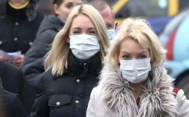 Почему не нужно носить медицинскую маску на улице