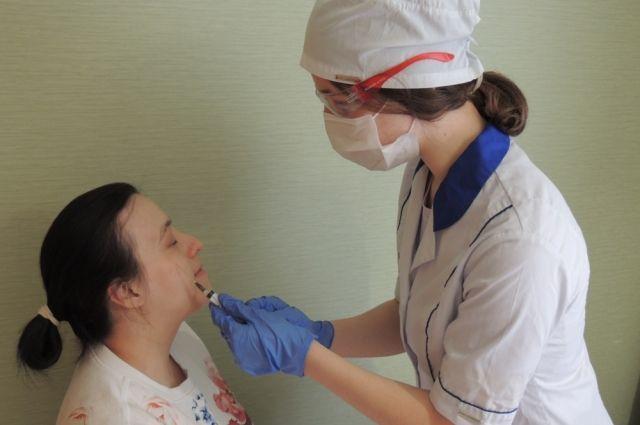 Был слесарь – стал косметолог. Как обманывают клиентов в сфере красоты